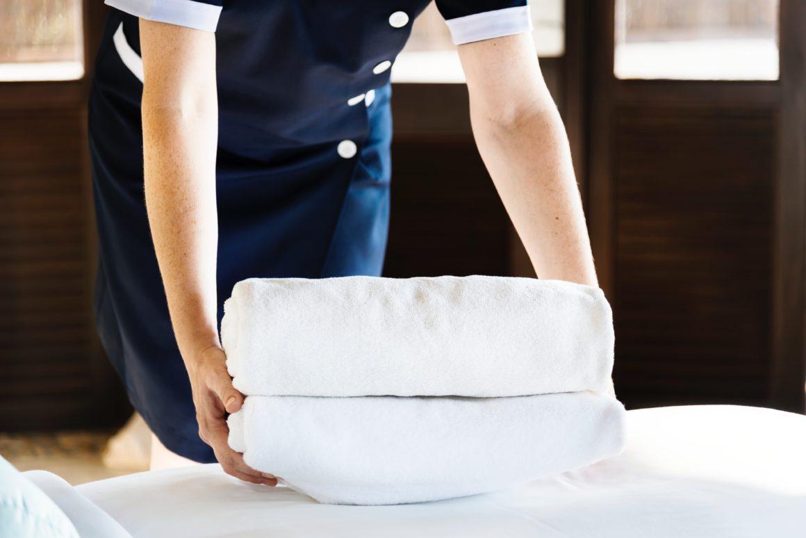 servillettes blanches pour adultes Hôtel la Vigneraie Levens